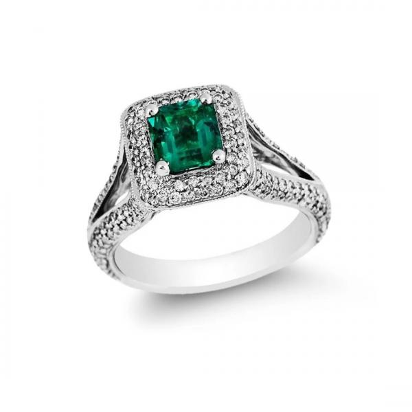 Emerald Engagement Rings: 6 Things You Probably Didn't Know